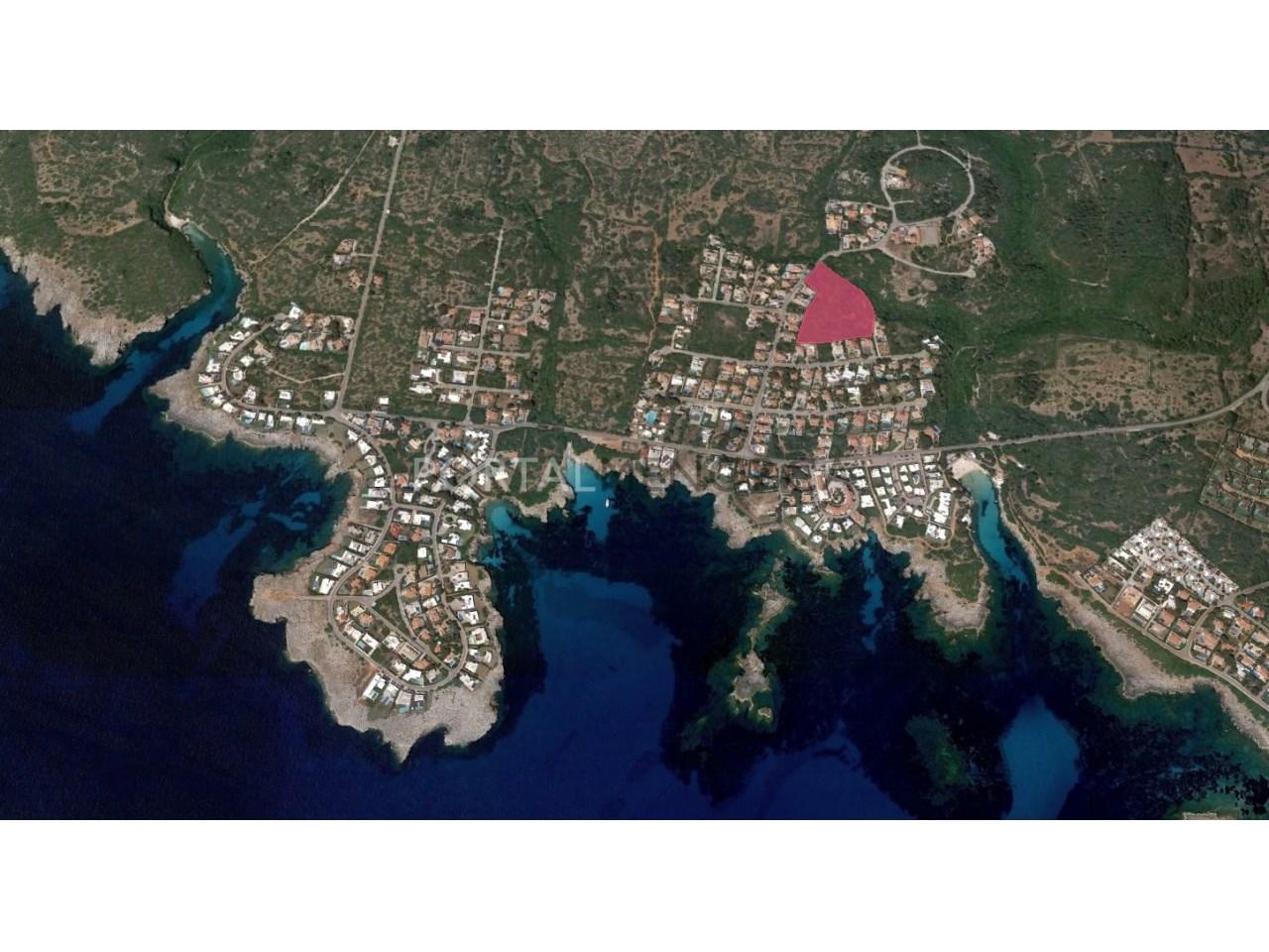 Set of 8 plots of land for sale in Binisafuller