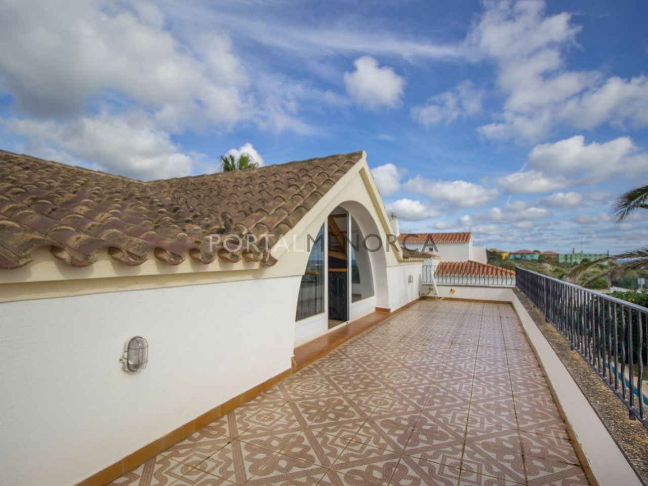 Villa by the sea and with swimming pool for sale in Son Remei