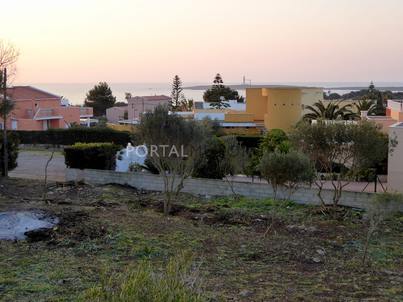 Parcela cerca del mar en venta en Punta Prima