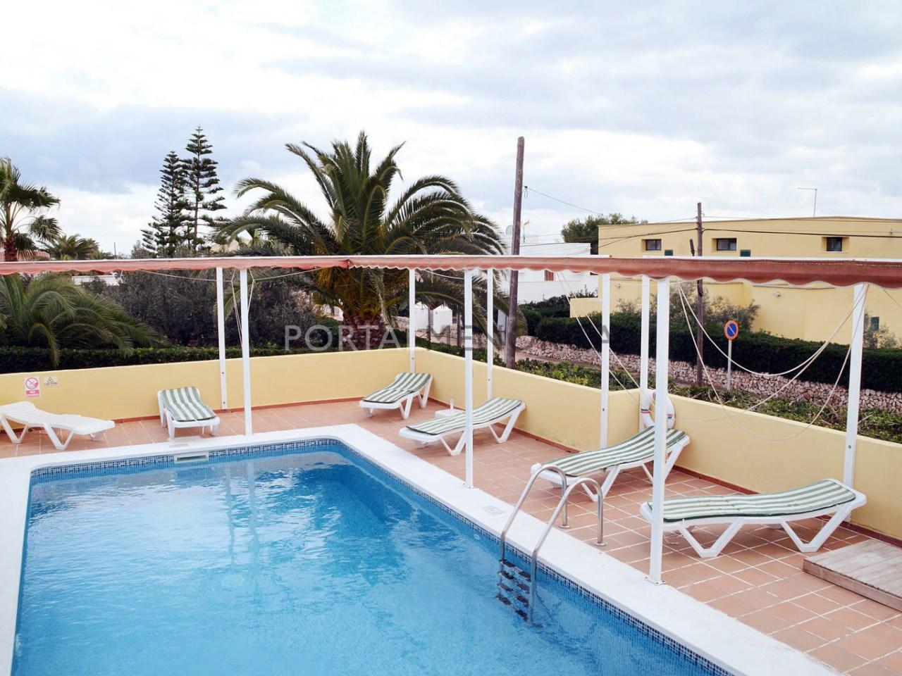 Casa con piscina en venta en Punta Prima