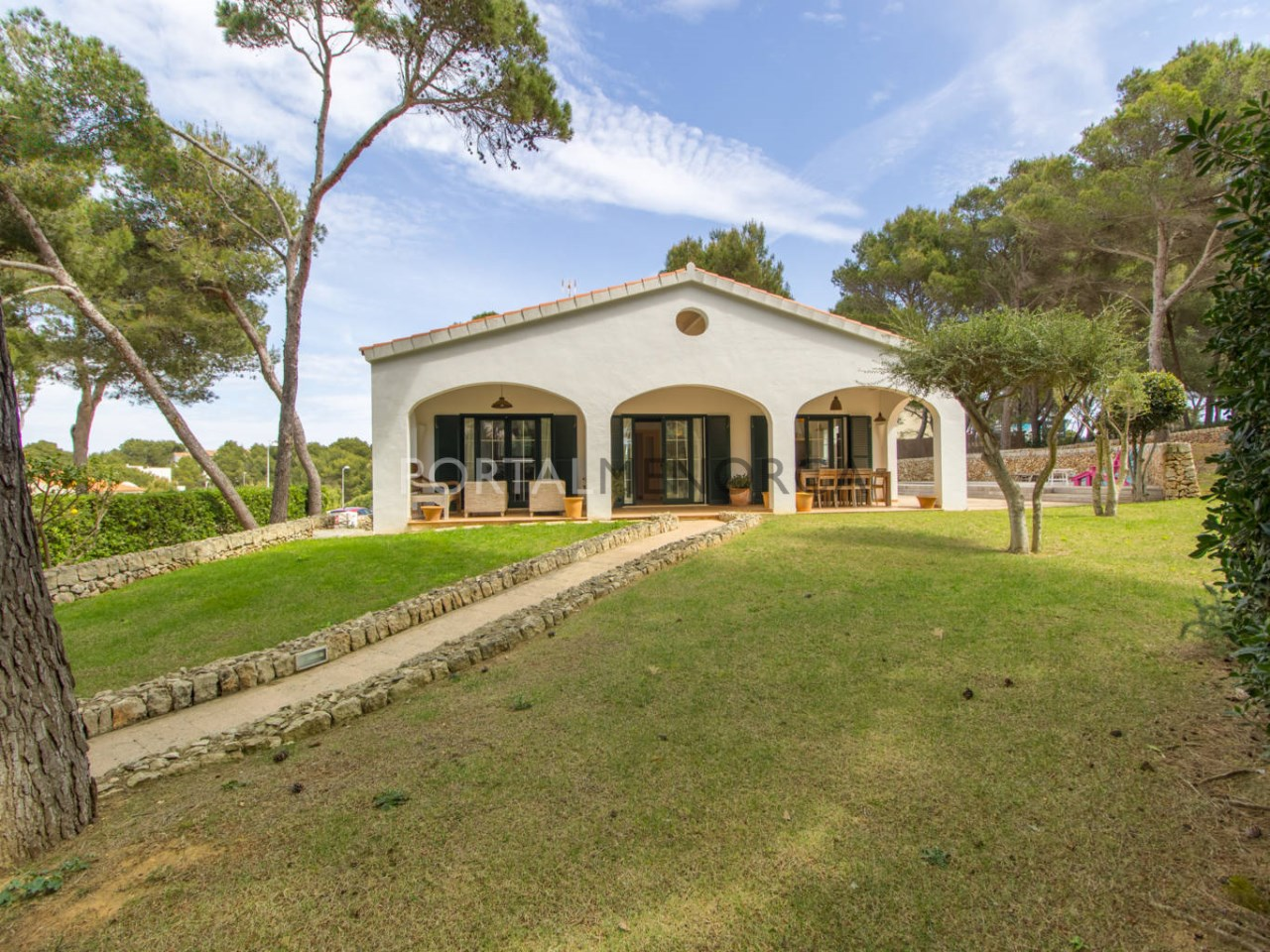 Villa for sale in Son Parc