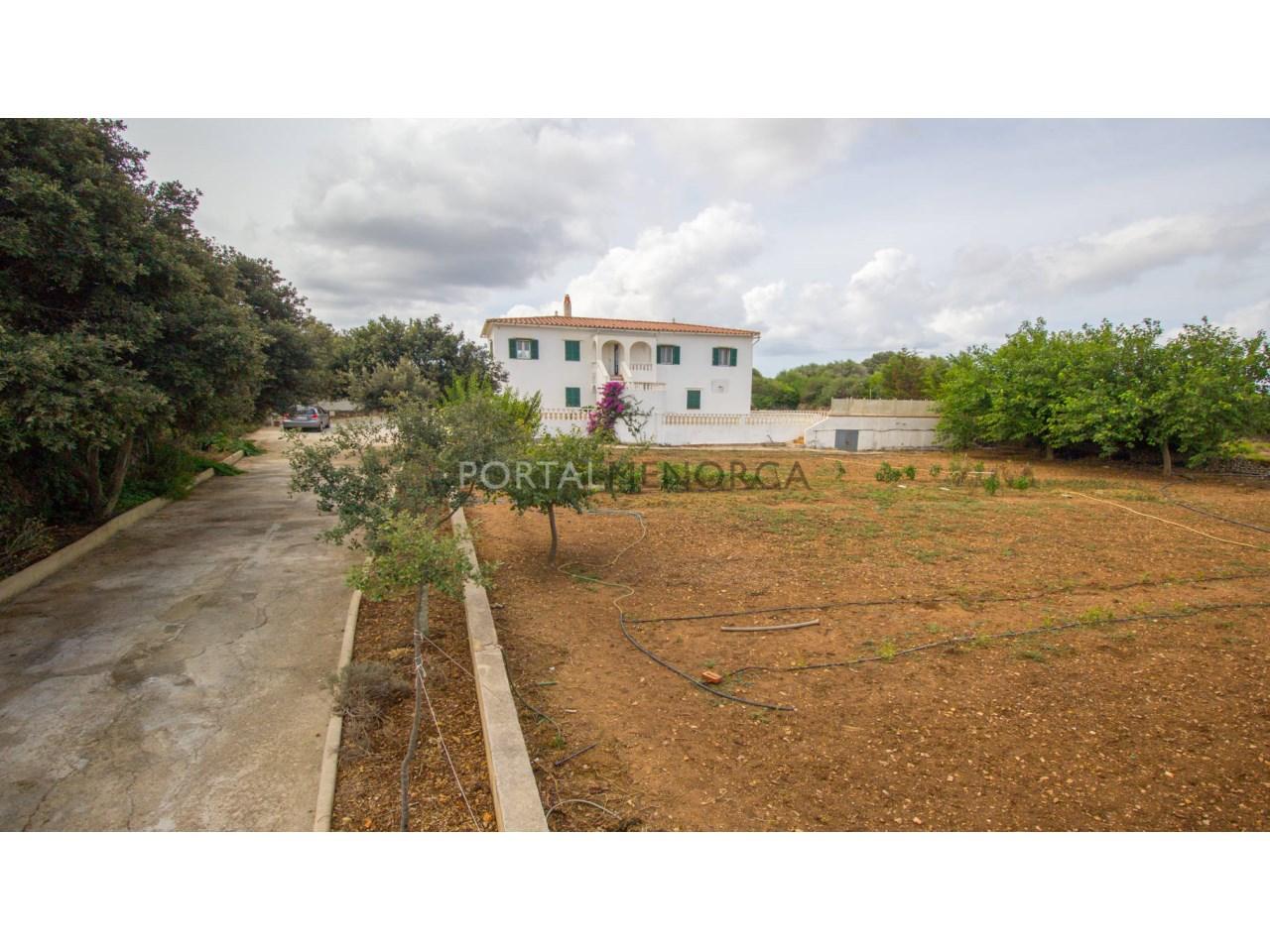 Casa de campo reciente en venta en Alaior