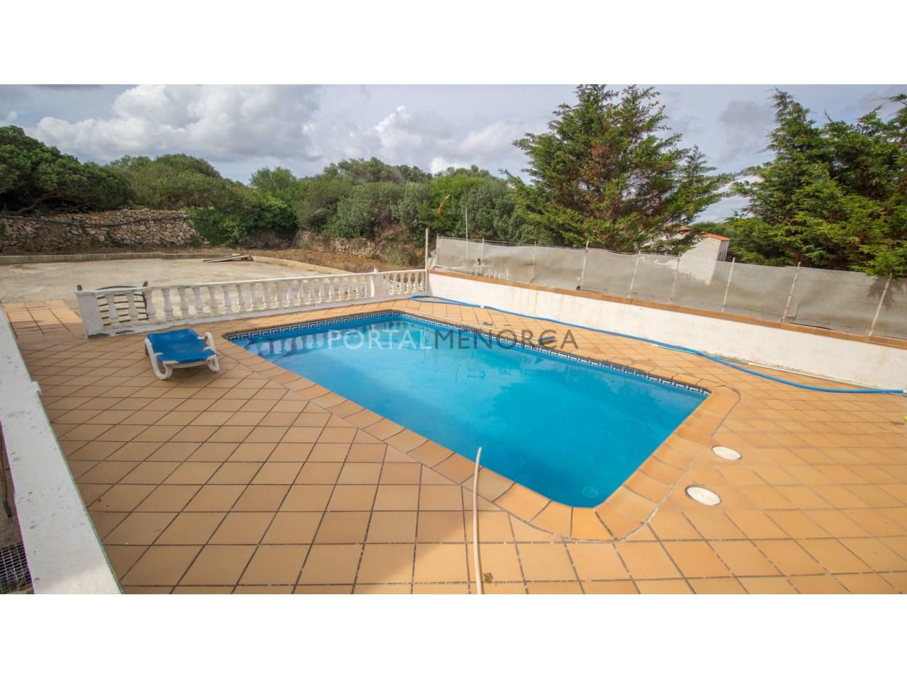 Casa de campo reciente con piscina en venta en Alaior