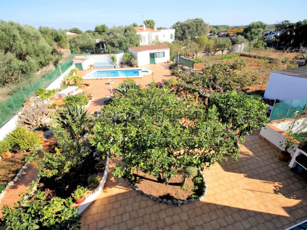 Casa en planta baja con gran terreno y piscina en venta en Trepucó