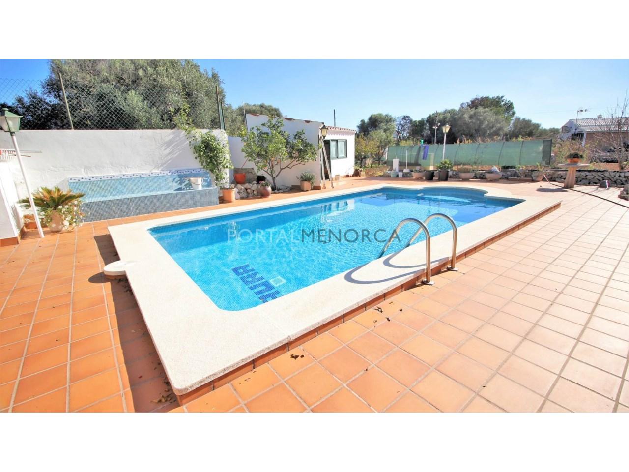 Casa con piscina en venta en Trepucó