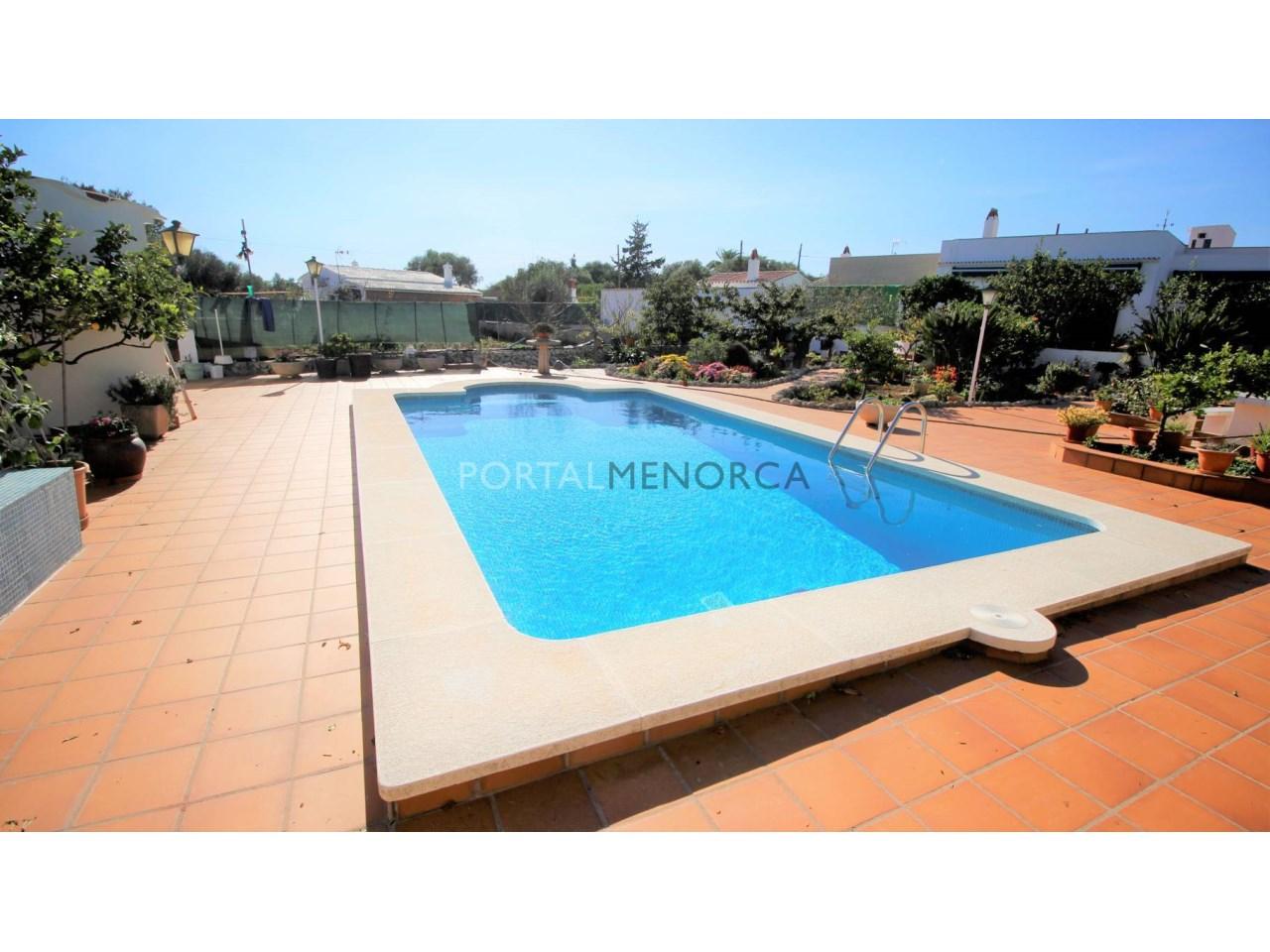 Re_ 12_Exterior Terraza jardín y piscina (10)