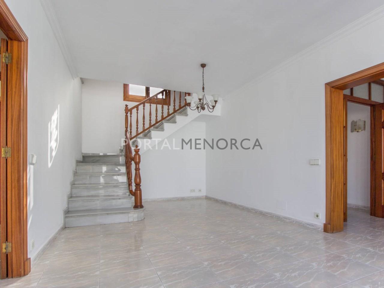 Casa entera con garaje en venta en Menorca