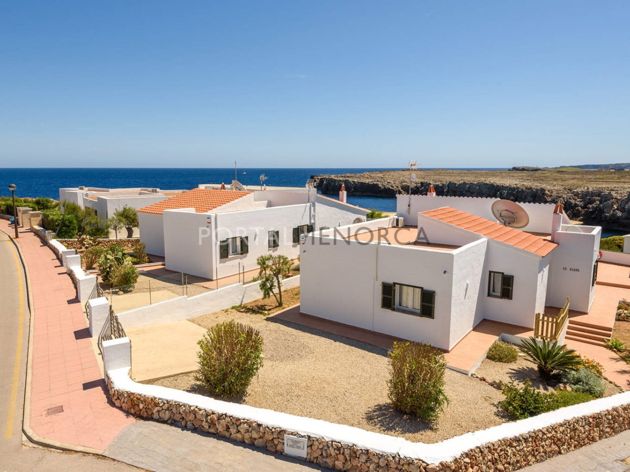 Villa by the sea with tourist licence for sale in Punta Grossa