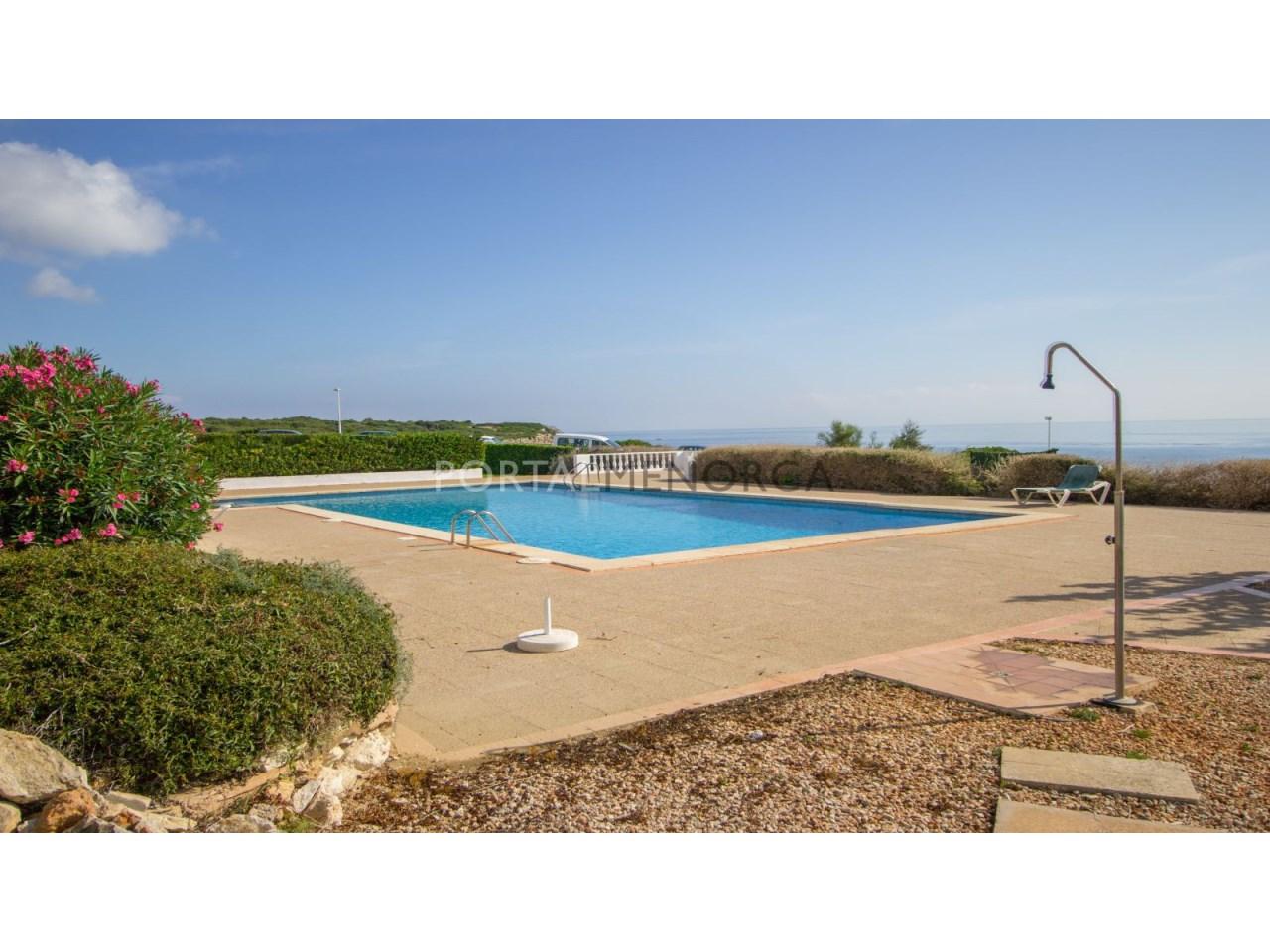 Parcela con proyecto de construcción y piscina comunitaria en venta en S'Algar