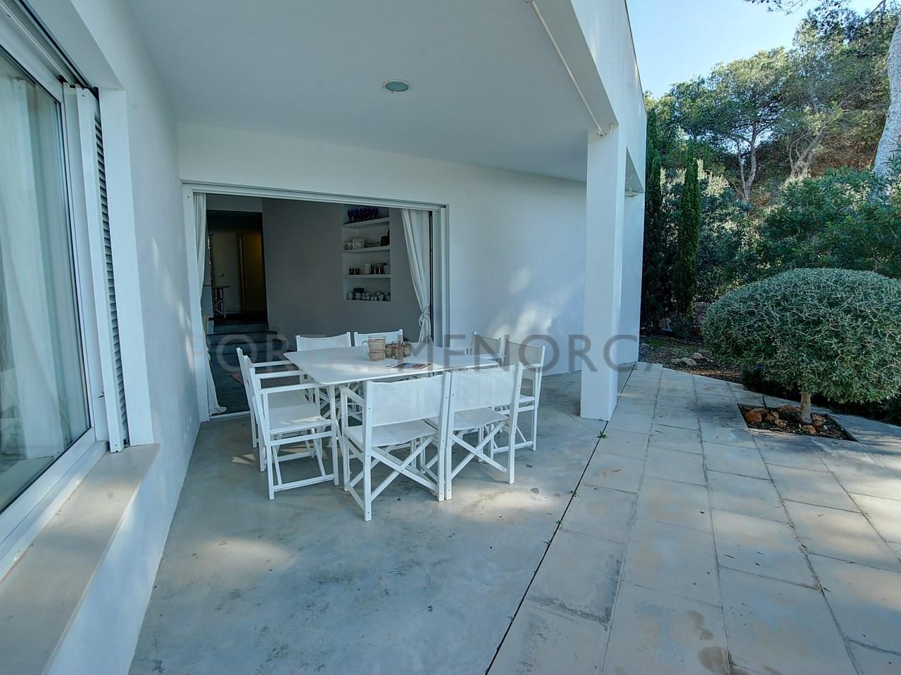 terraza-cubierta-casa-en-venta-addaia
