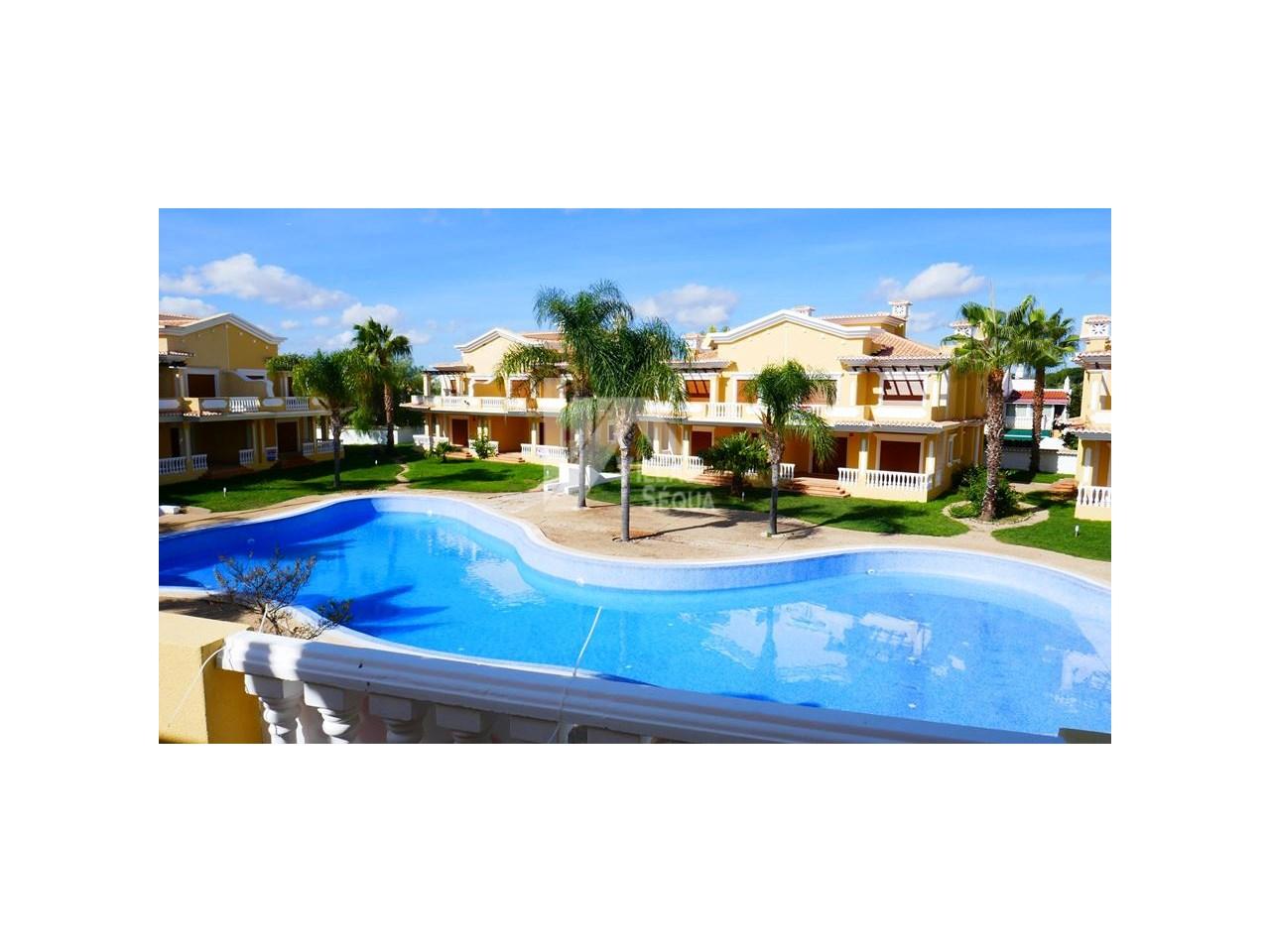 Grande Villa Moderne Jumelée ! Résidence avec Piscine à Cabanas Tavira