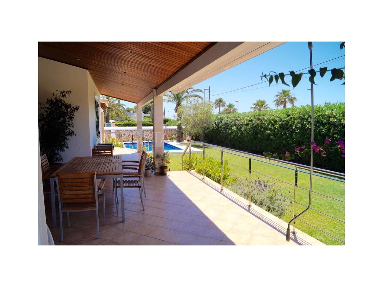 7-terraza-piscina FM