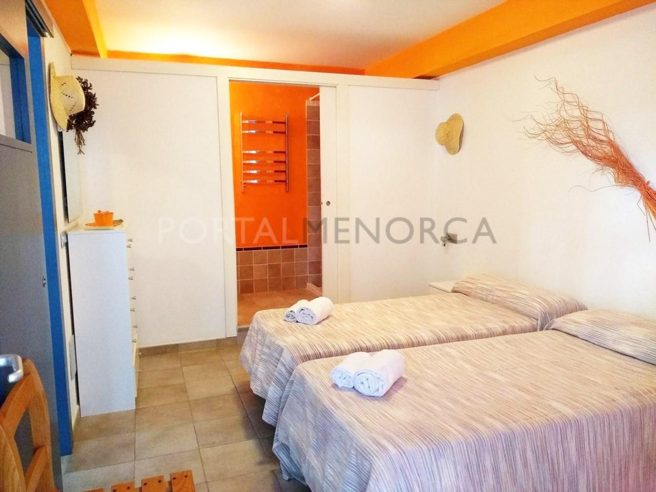 Moderno chalet en Son Xoriguer con vistas al mar-dormitorio