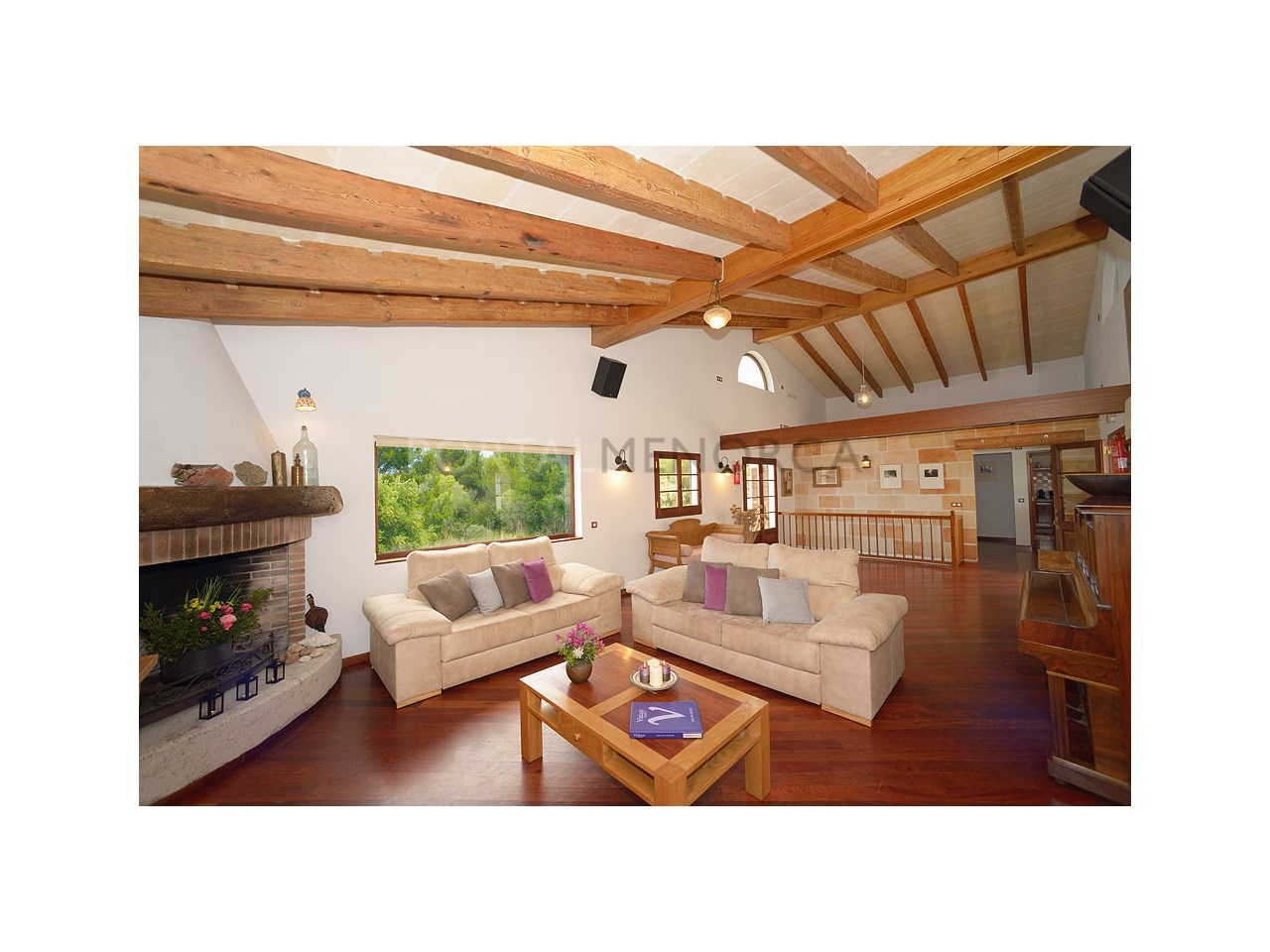 Countryhouse for sale in the Son Morell area-living room