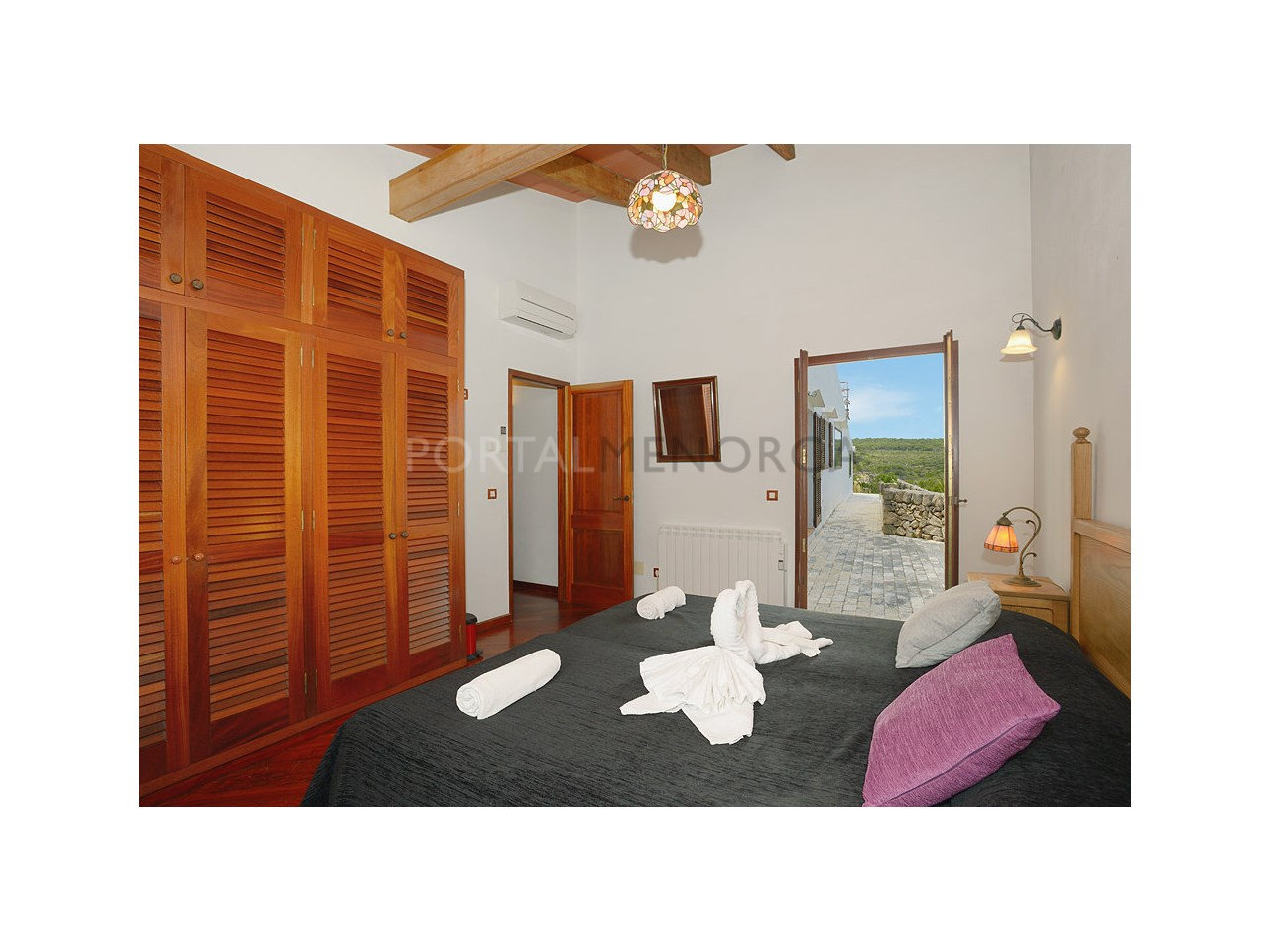 Countryhouse for sale in the Son Morell area-Bedroom