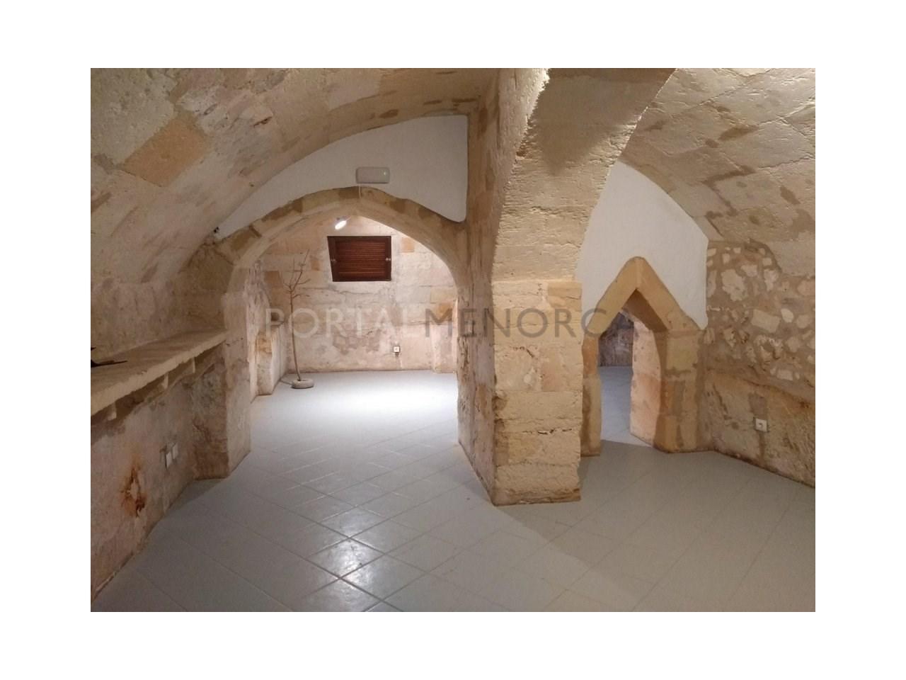 Manor house for sale in Ciutadella-basement 1