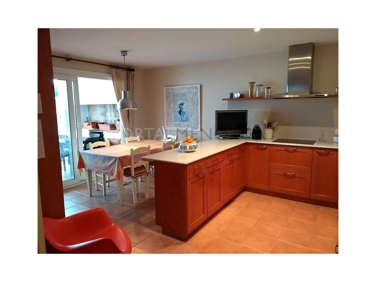 Spacious renovated apartment for sale in Ciutadella-Kitchen and Dinning room