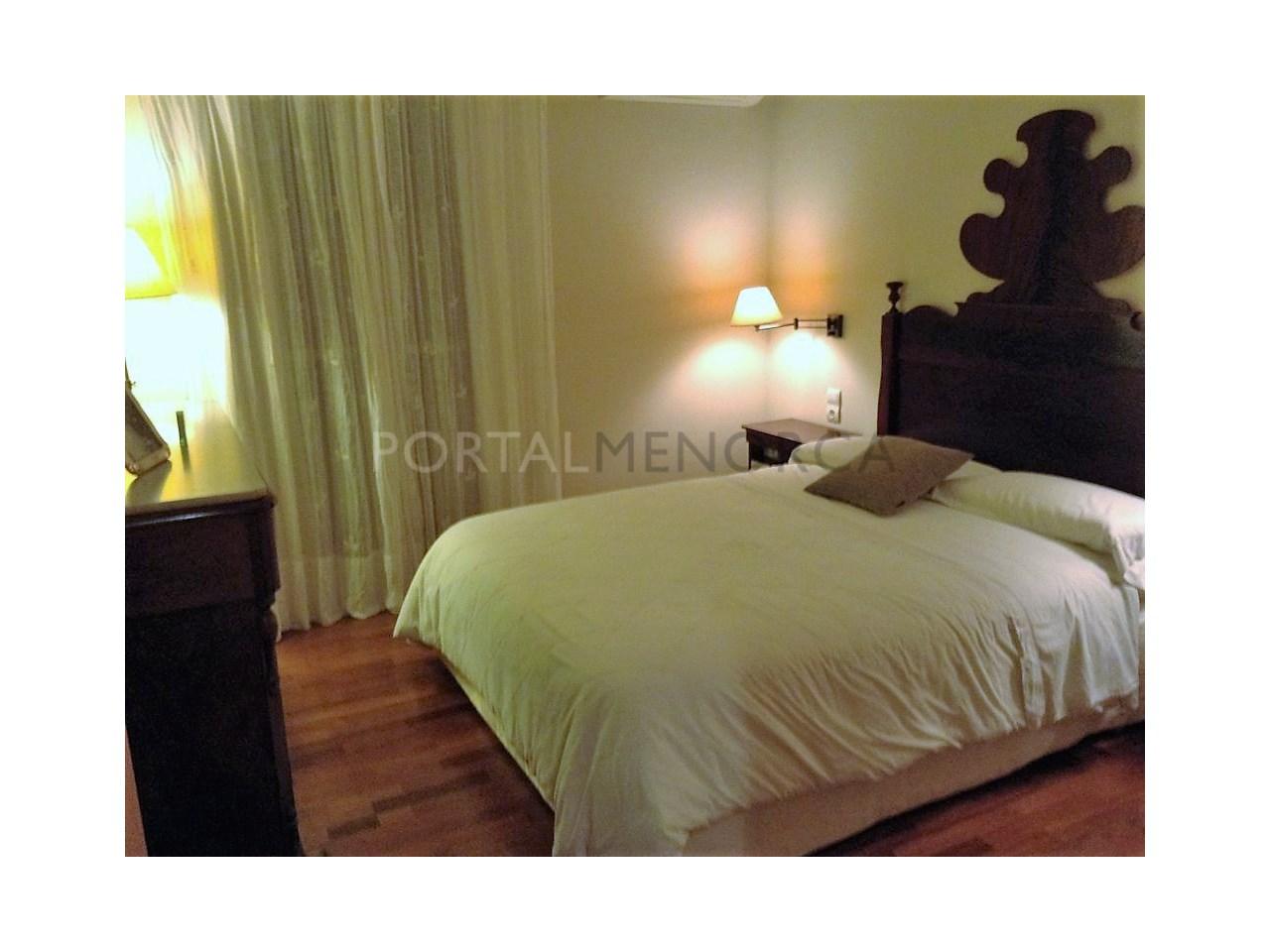 Spacious renovated apartment for sale in Ciutadella-Bedroom