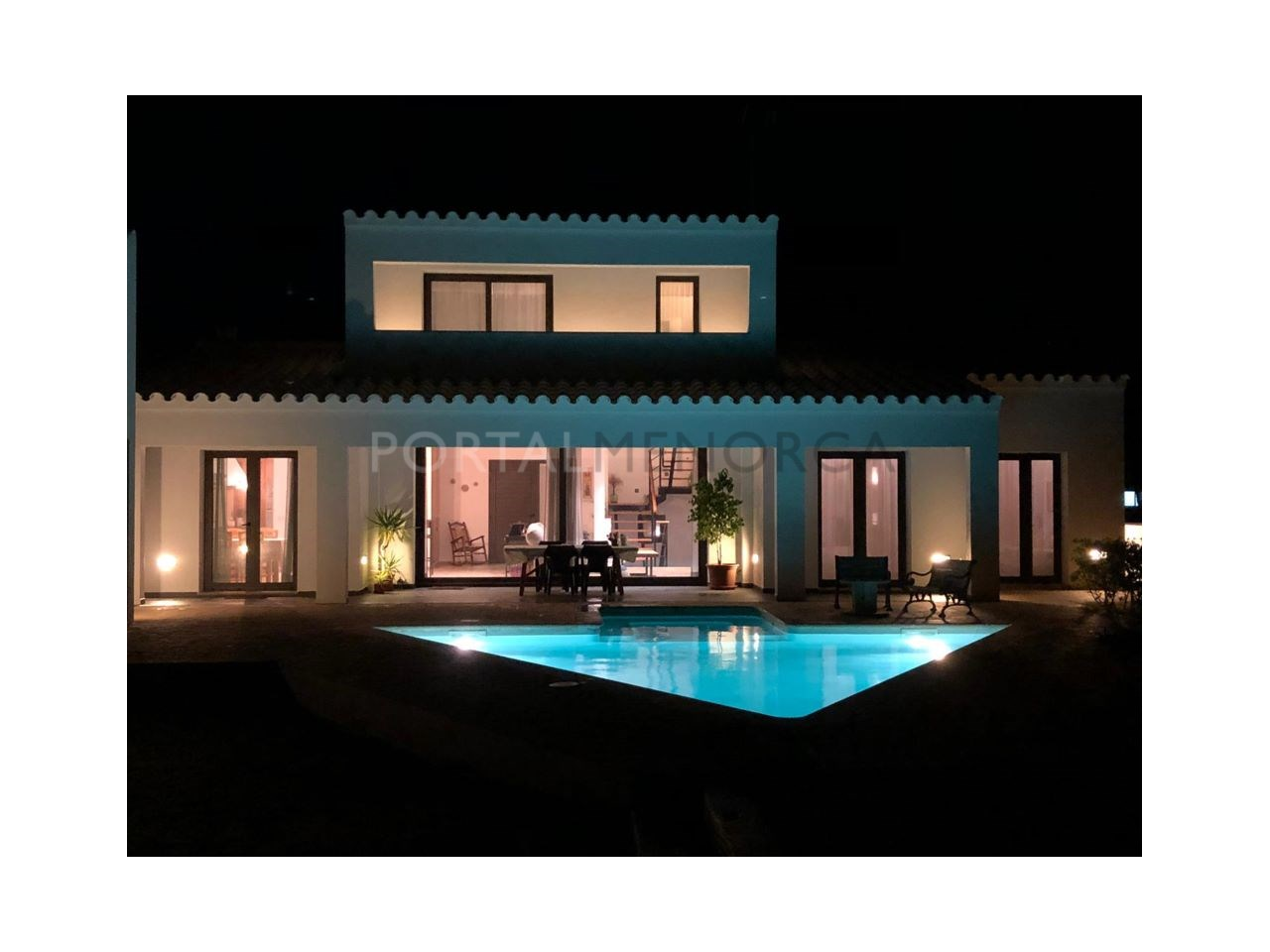 Chalet à vendre à Cala Morell, Ciutadella- Façade de nuit
