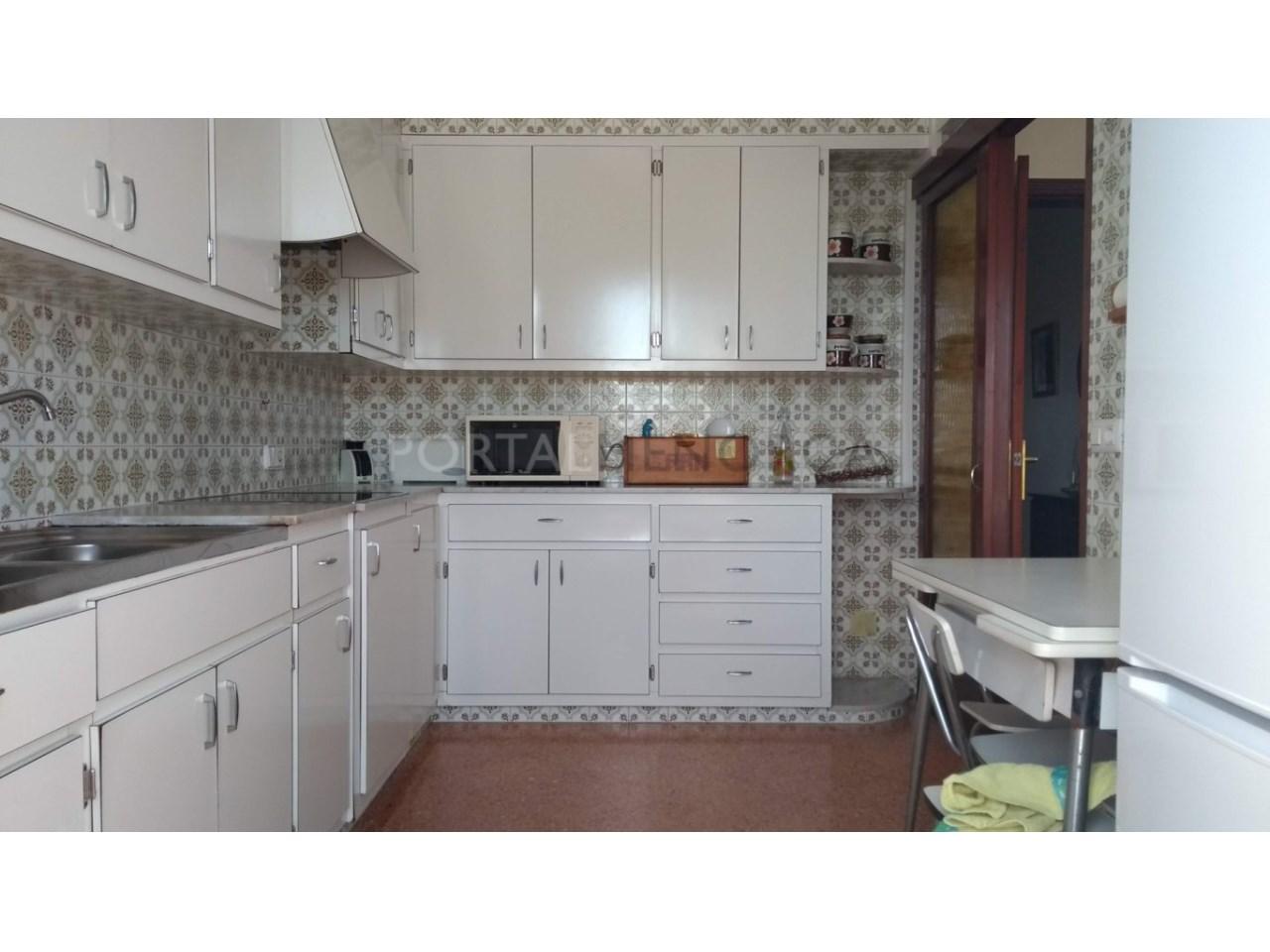 Apartment for sale in Ciutadella-Kitchen