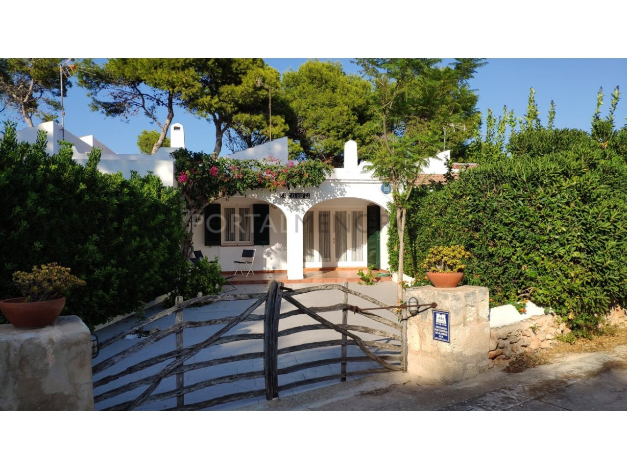 Townhouse for sale in Calan Blanes near the beach- facade