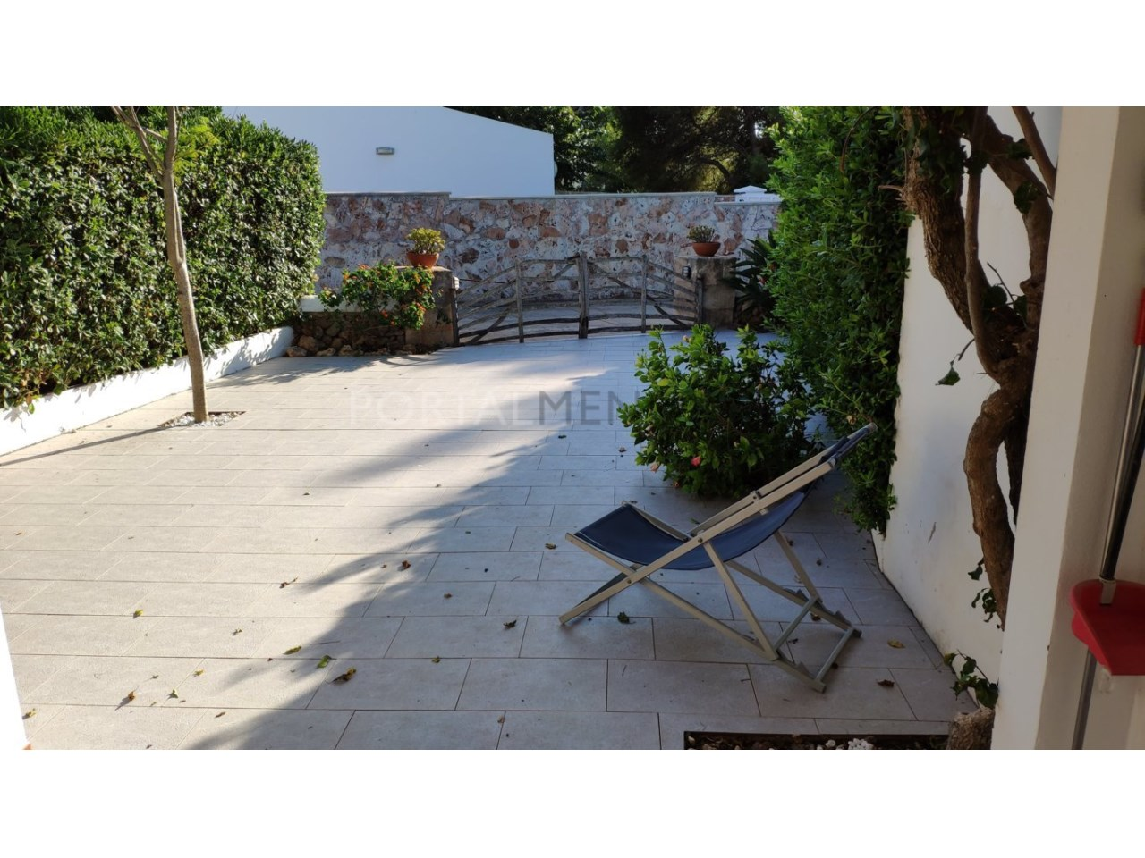 Townhouse for sale in Calan Blanes near the beach- yard