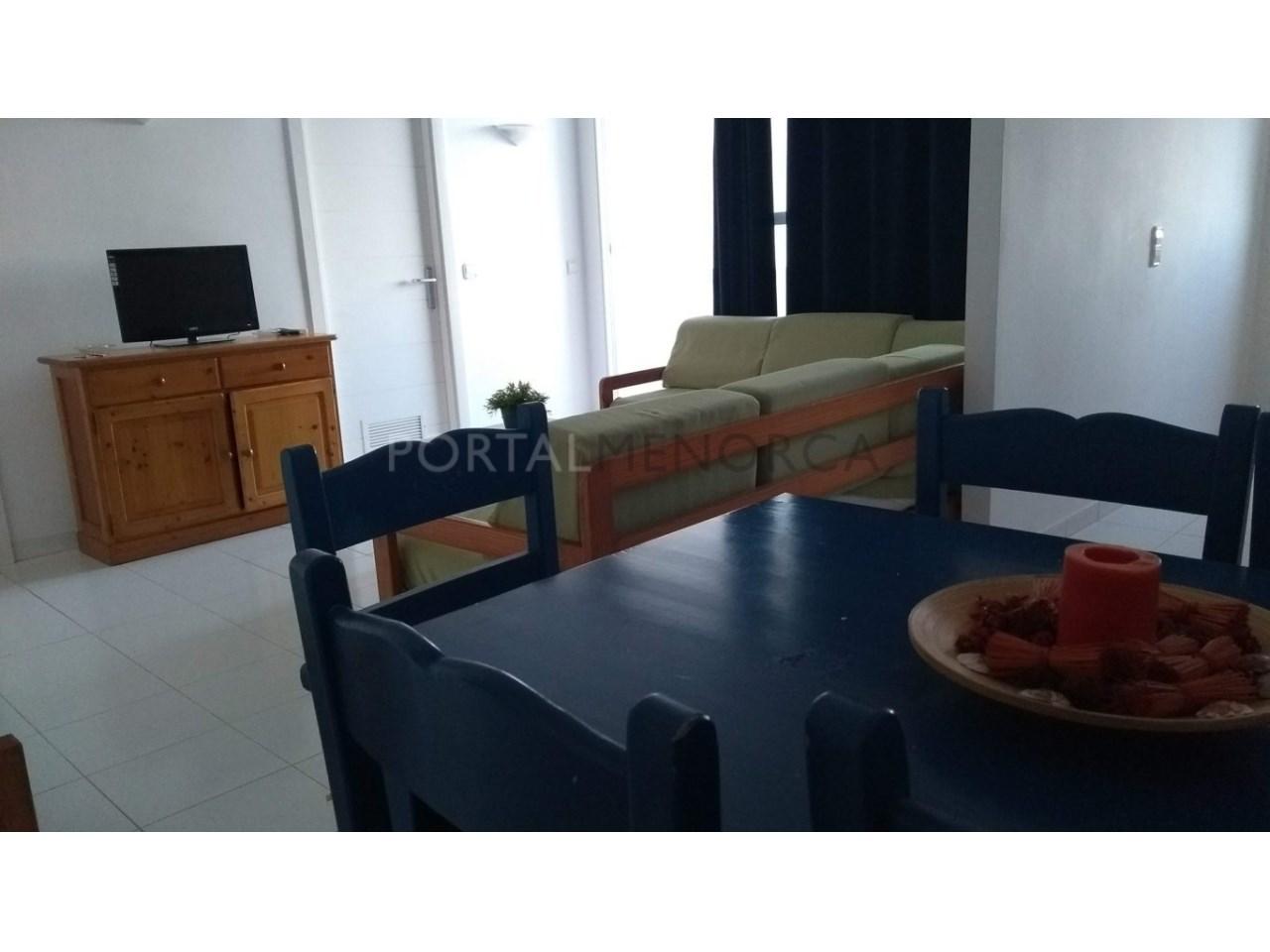 apartamento en venta en Son Xoriguer con piscina comunitaria -cocina comedor