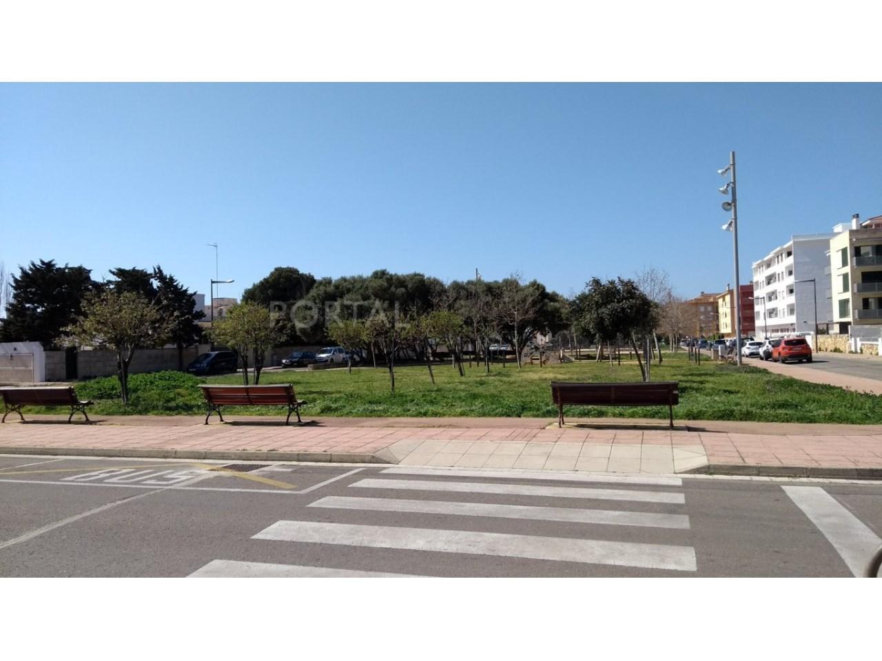 Plot for sale in Ciutadella-park