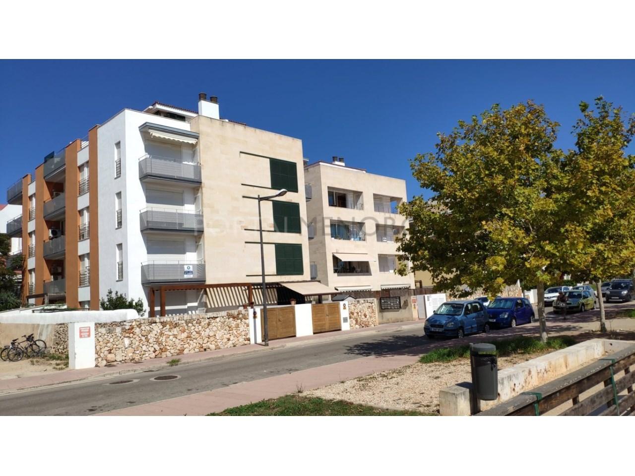 Frist floor apartament for sale in Ciutadella-Building