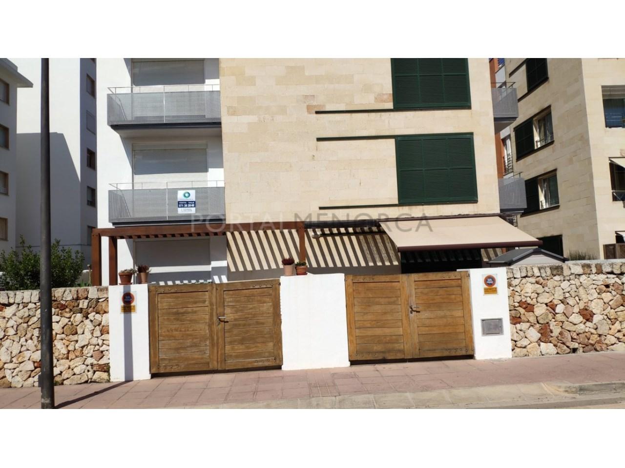 Frist floor apartament for sale in Ciutadella-Building, facade 1