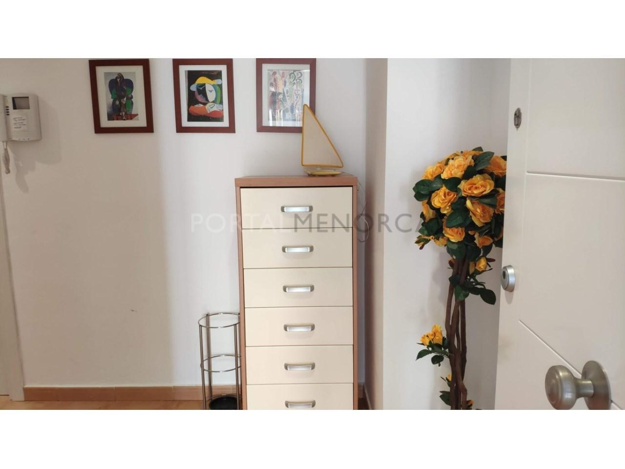 Frist floor apartament for sale in Ciutadella-Hall