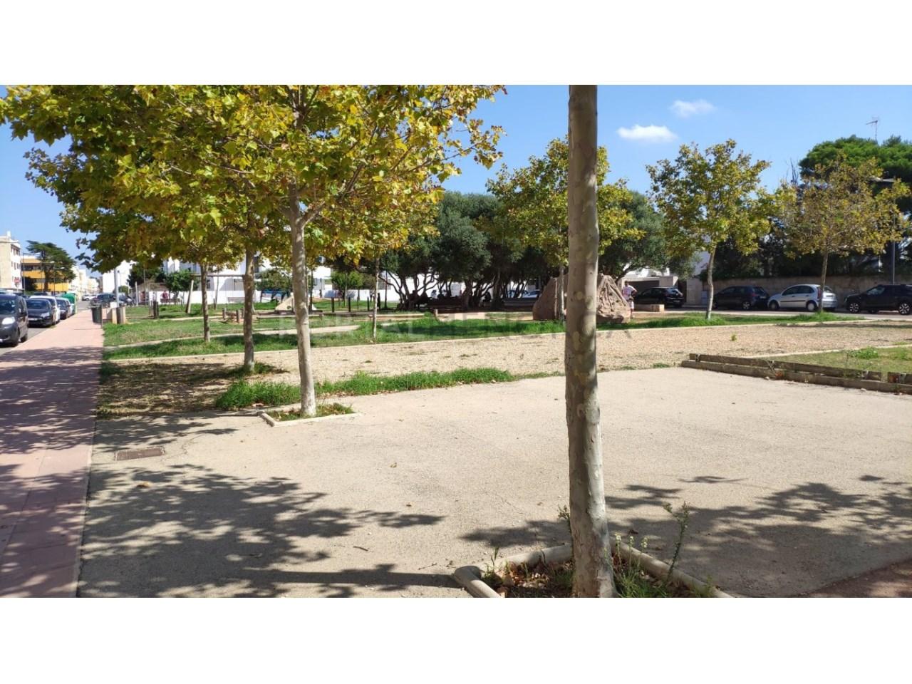 Frist floor apartament for sale in Ciutadella-park