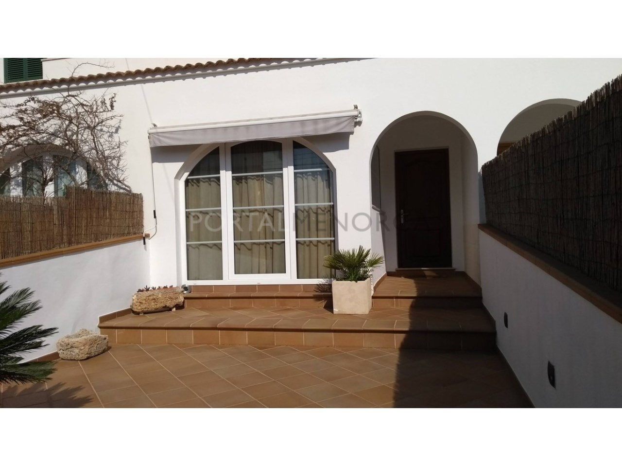 Charming villa with garage in Son Oleo for sale-entry
