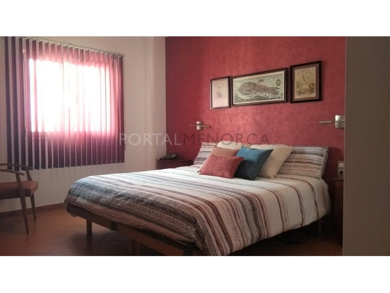 Amplia Casa con patio en venta en Ciutadella suite