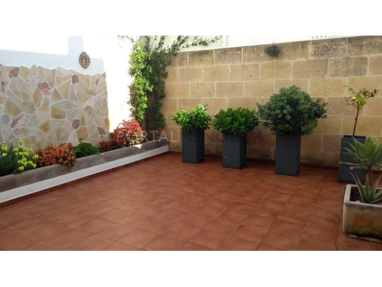 Amplia Casa con patio en venta en Ciutadella patio