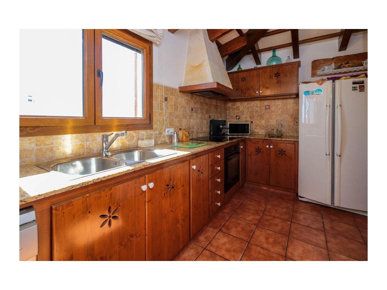Villa for sale in Cala Morell with sea views and tourist license-Kitchen