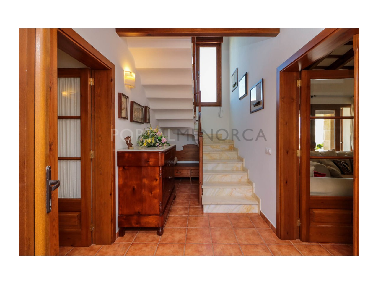 Villa for sale in Cala Morell with sea views and tourist license-Hall