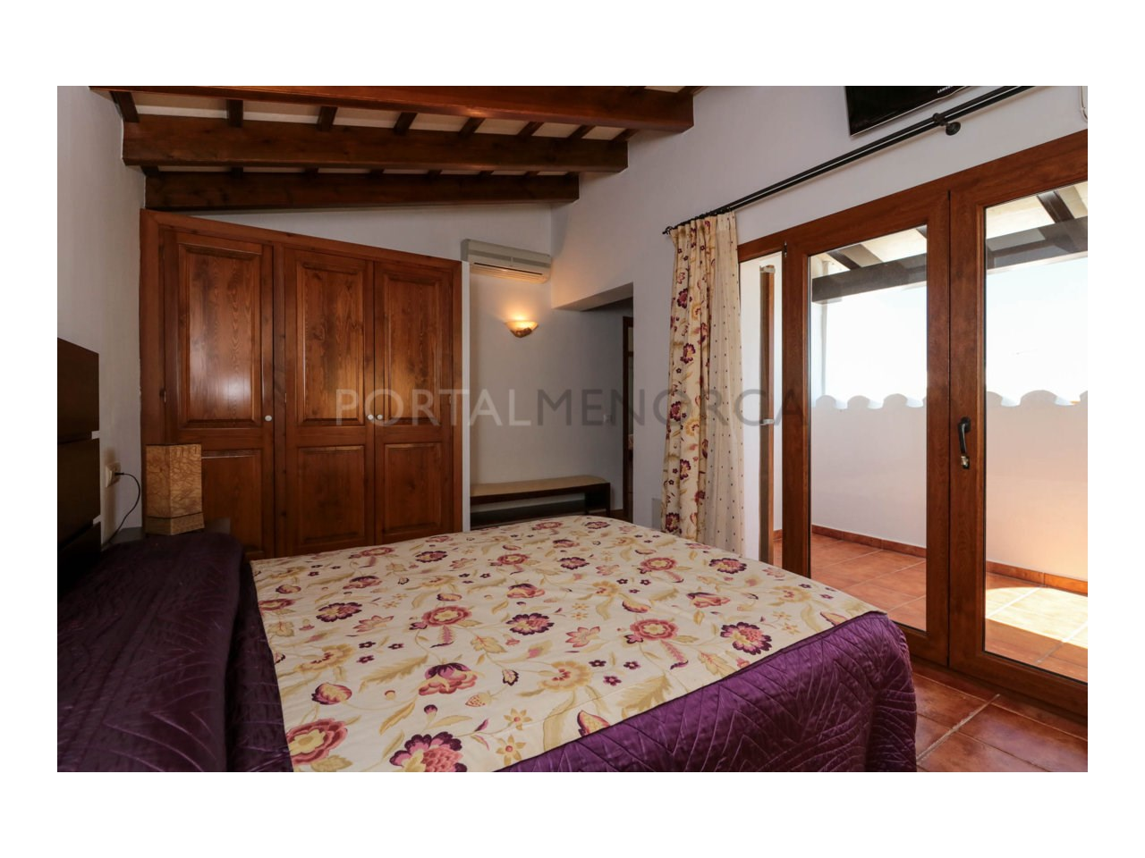 Villa for sale in Cala Morell with sea views and tourist license-Bedroom