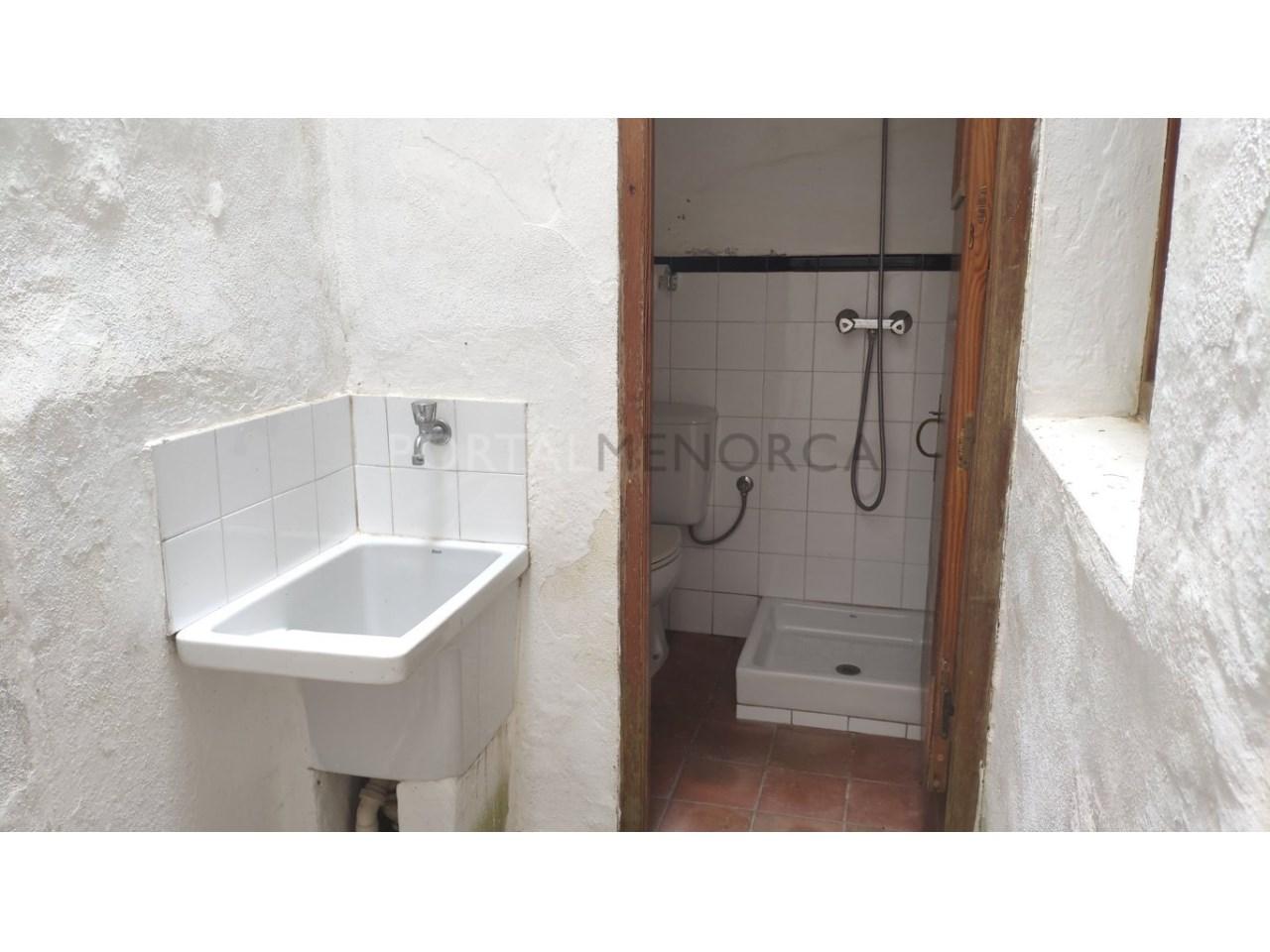 casa reformada en venta en Ciutadella de Menorca lavadero-aseo