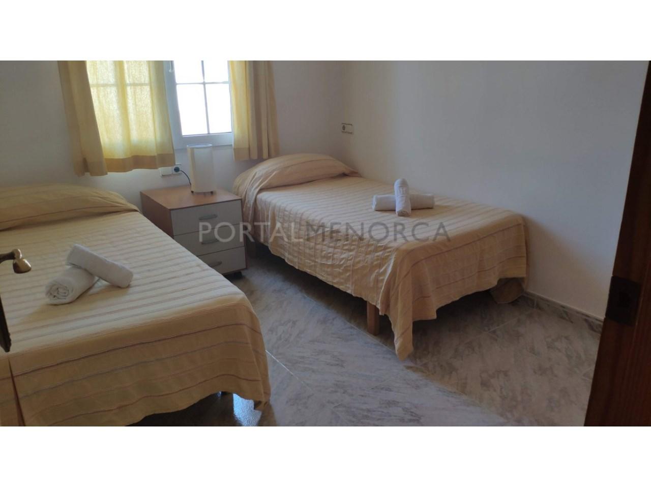 Chalet en venta en Calan Blanes con licencia turística Ciutadella Menorca - dormitorio planta baja