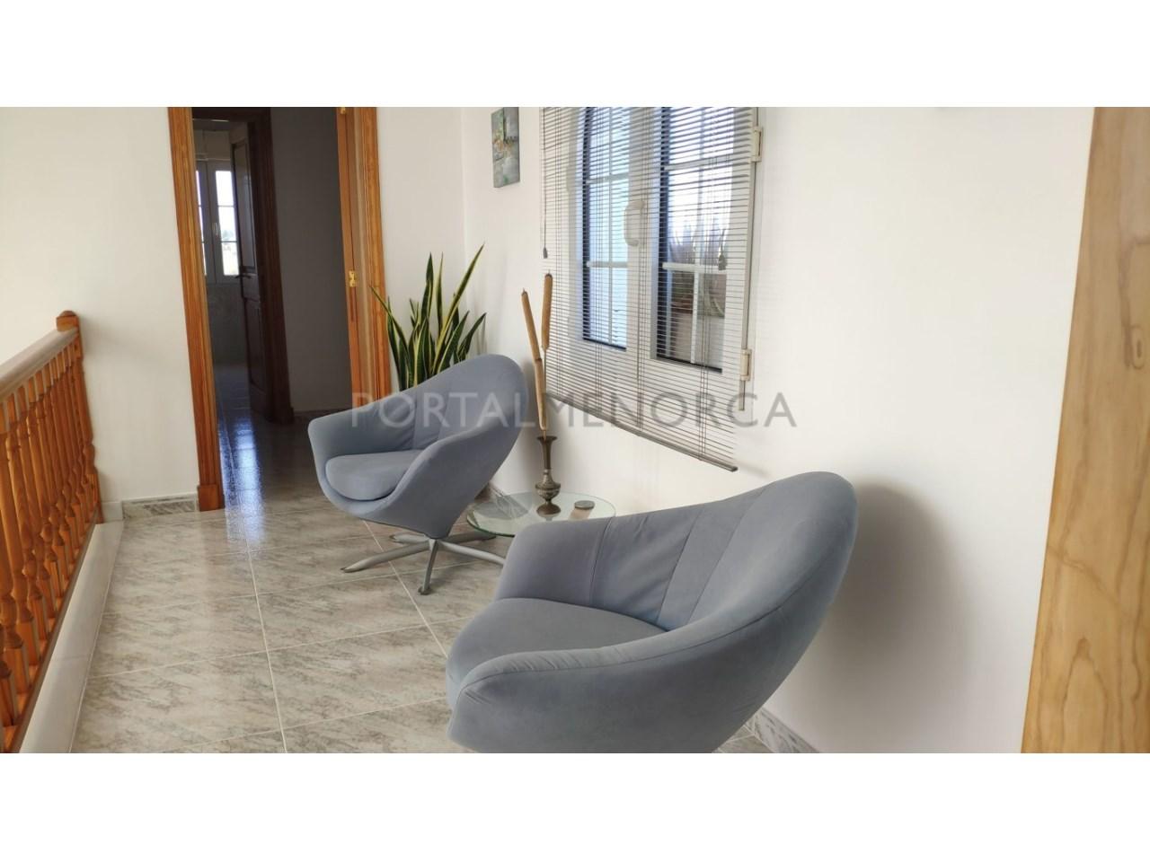 Chalet en venta en Calan Blanes con licencia turística Ciutadella Menorca - distribuidor primer piso