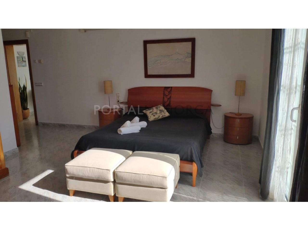 Chalet en venta en Calan Blanes con licencia turística Ciutadella Menorca - segunda suite con terraza en PP