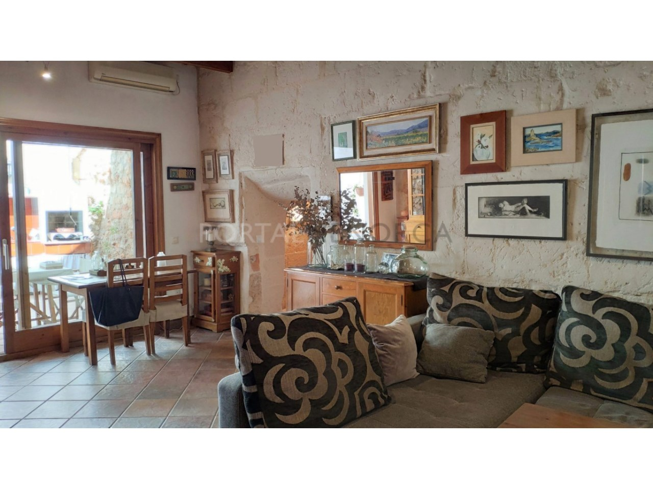 House for sale in the old town of Ciutadella-Living room