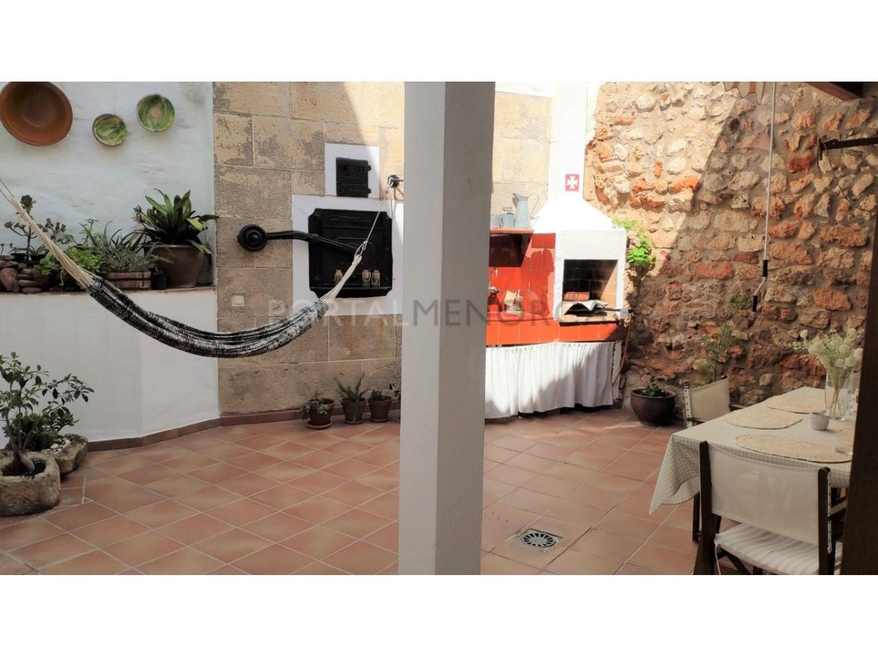 Casa con patio en venta en el casco histórico de Ciutadella - patio 3