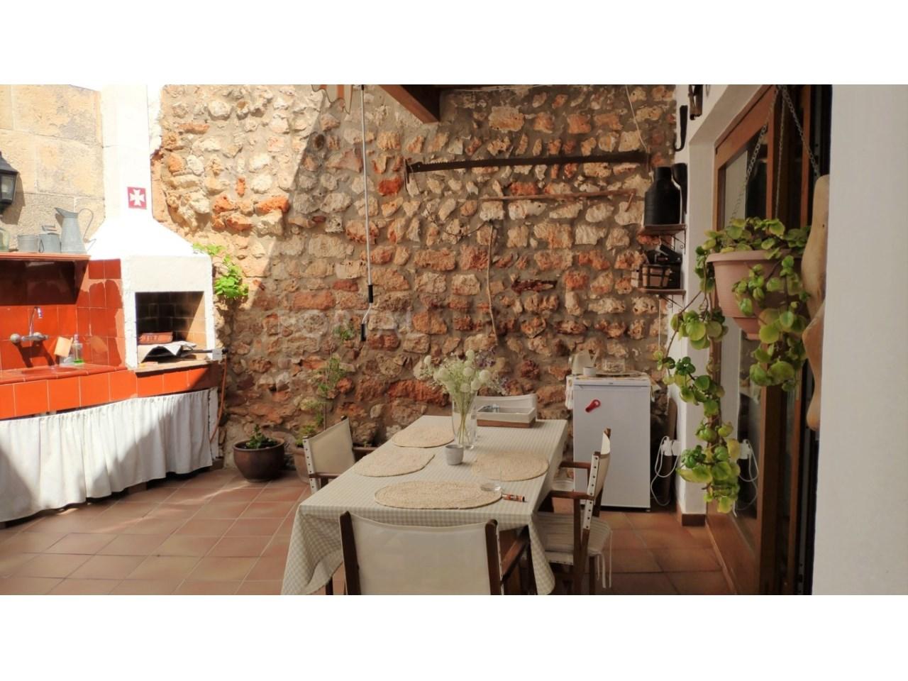 Casa con patio en venta en el casco histórico de Ciutadella - patio 5