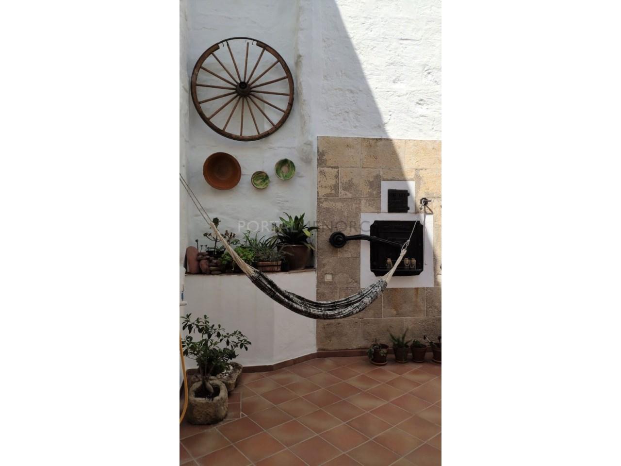 Casa con patio en venta en el casco histórico de Ciutadella - patio 2