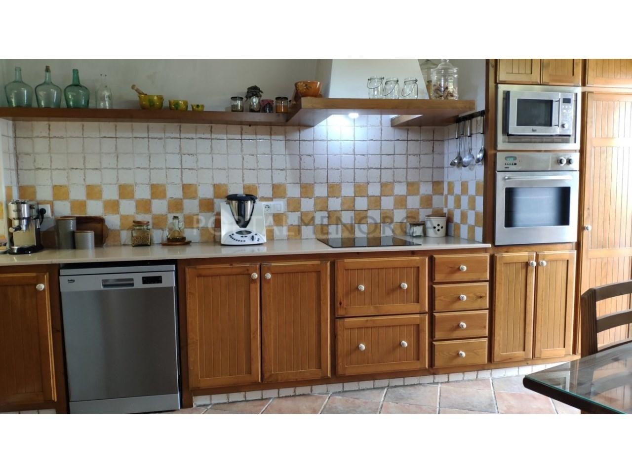 Casa con patio en venta en el casco histórico de Ciutadella - cocina