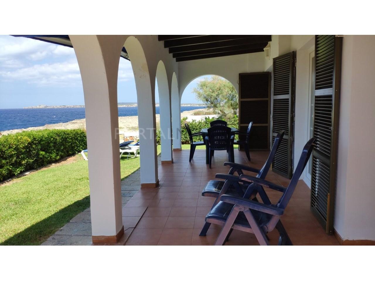 Chalet en venta en Cala Blanca Ciutadella -terraza