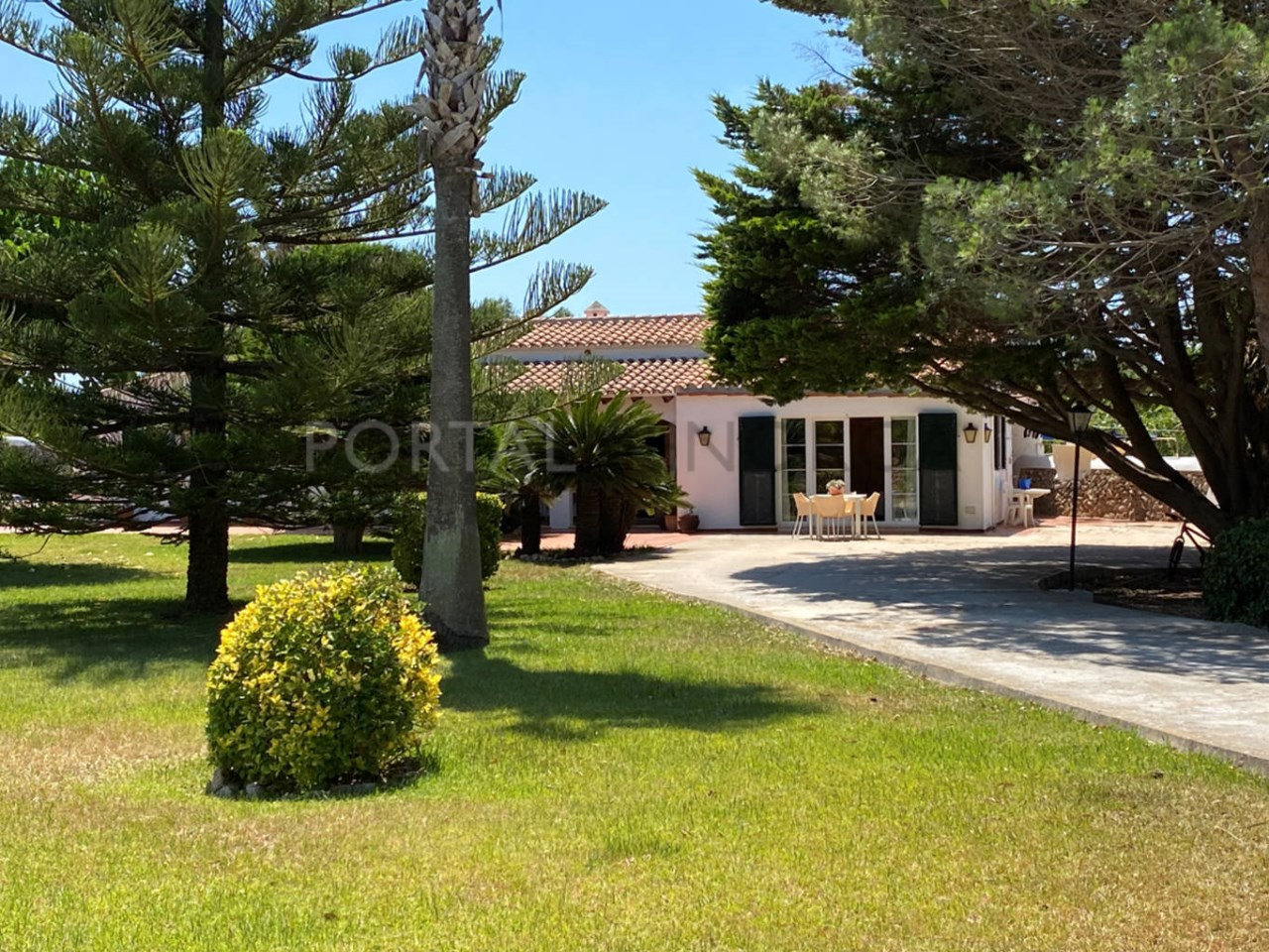 Villa for sale in Ciutadella_ garden