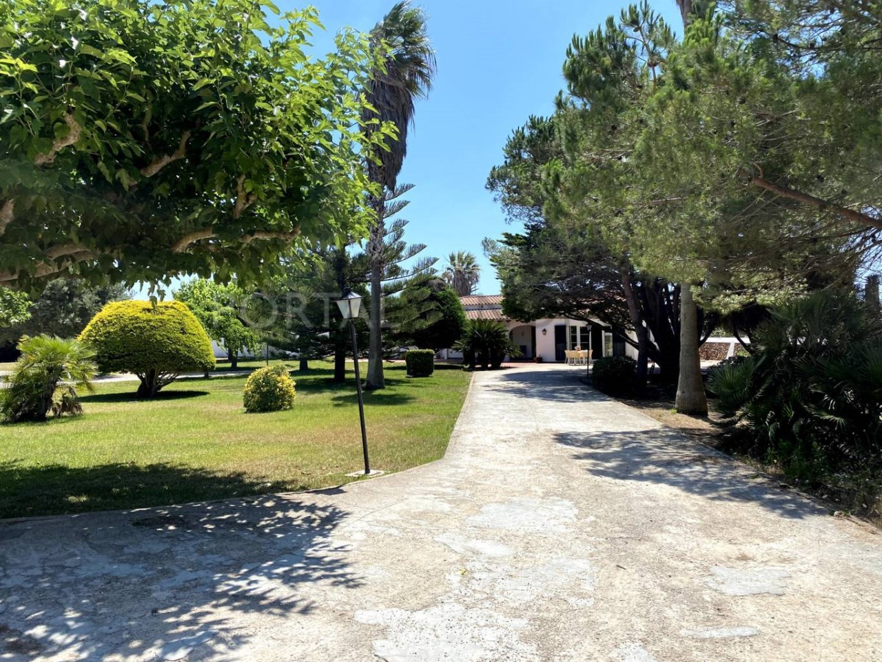 Chalet for sale in Ciutadella_garden